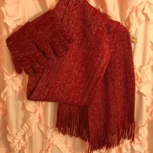 Sparkly red scarf and mitten set.🧣